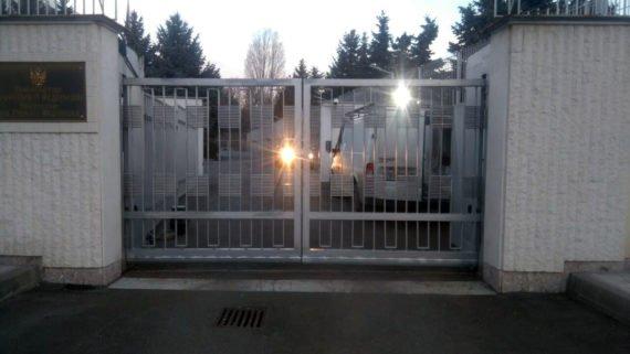Cantilever sliding gate, BULL.8